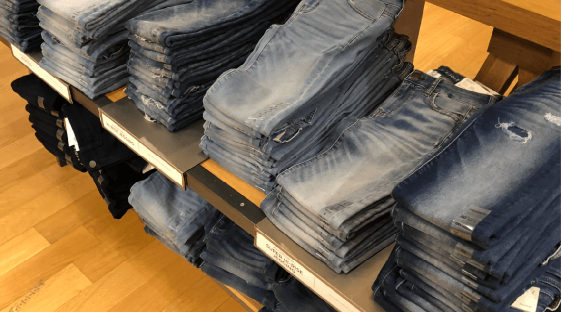 American Eagle Jeans styling tips & discount code
